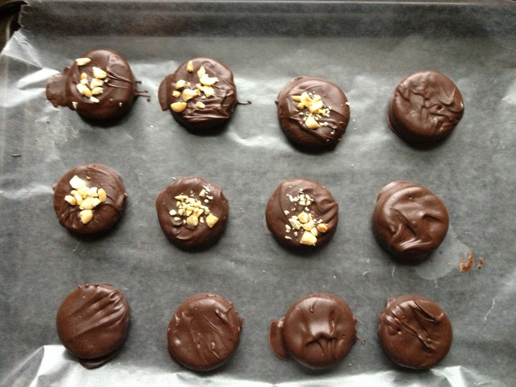 No-Bake Chocolate Peanut Butter Ritz Cracker Cookies